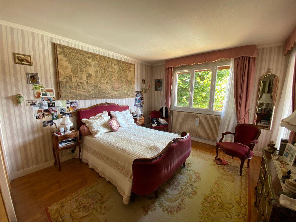 Maison à vendre 7 188m2 à Montrevel-en-Bresse vignette-7