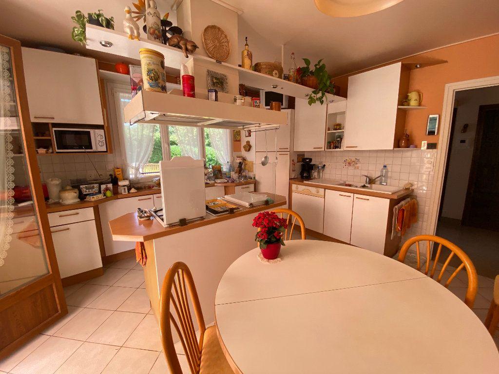 Maison à vendre 7 188m2 à Montrevel-en-Bresse vignette-9