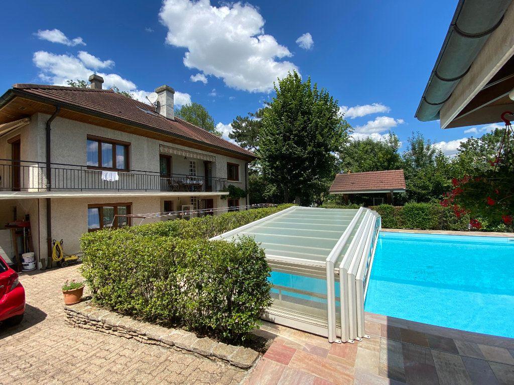 Maison à vendre 7 188m2 à Montrevel-en-Bresse vignette-10