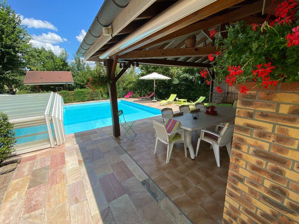 Maison à vendre 7 188m2 à Montrevel-en-Bresse vignette-12