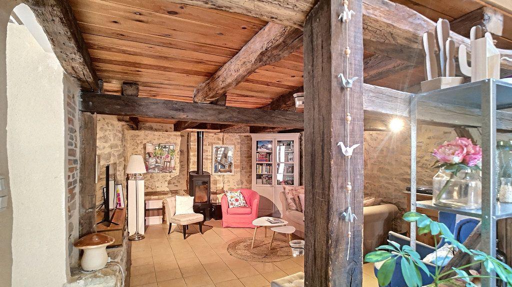 Maison à vendre 6 235m2 à Saint-Étienne-du-Bois vignette-4