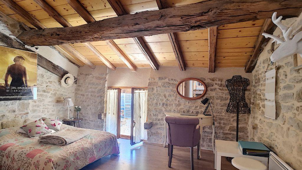 Maison à vendre 6 235m2 à Saint-Étienne-du-Bois vignette-7