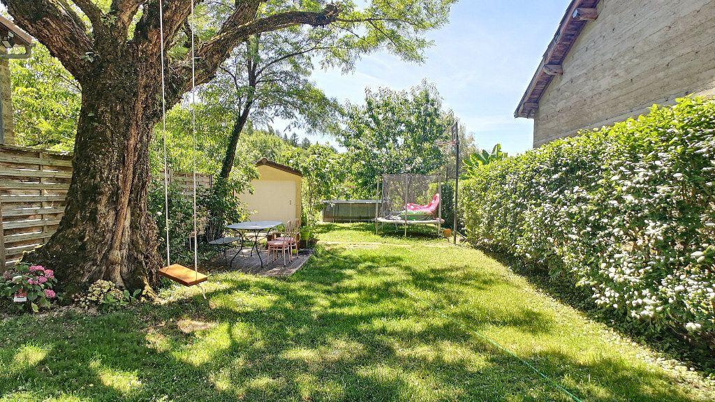 Maison à vendre 6 235m2 à Saint-Étienne-du-Bois vignette-9