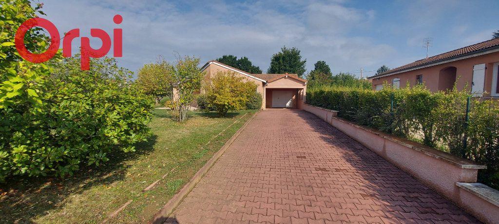 Maison à vendre 6 123m2 à Bâgé-le-Châtel vignette-3