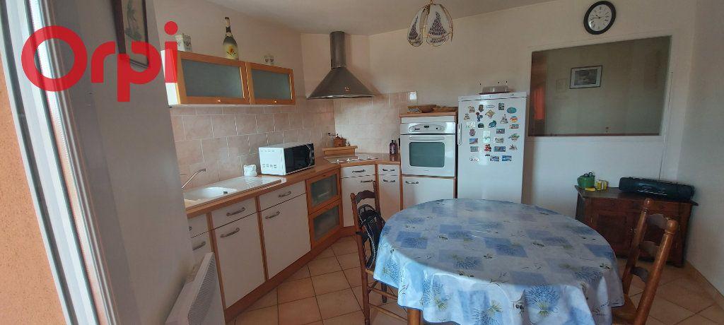 Maison à vendre 6 123m2 à Bâgé-le-Châtel vignette-4