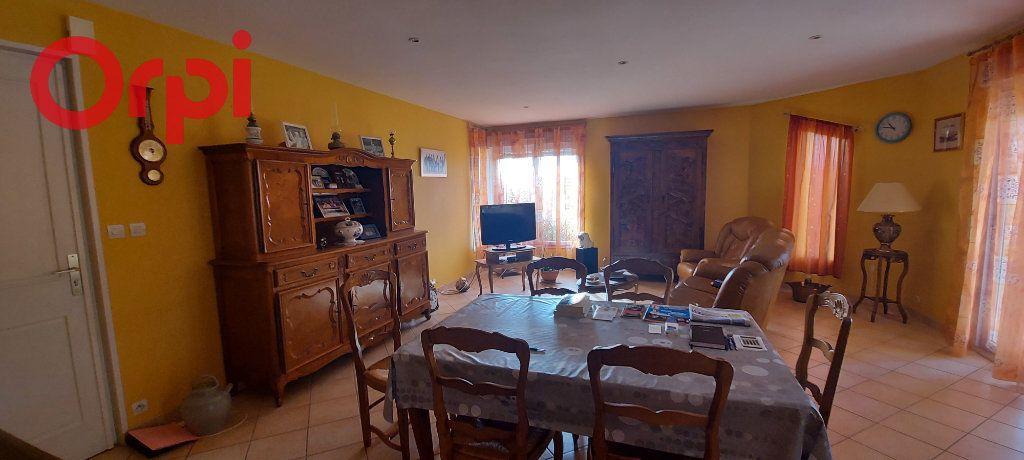 Maison à vendre 6 123m2 à Bâgé-le-Châtel vignette-7