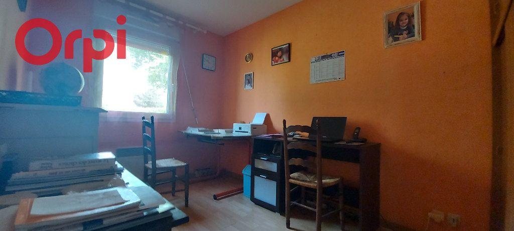 Maison à vendre 6 123m2 à Bâgé-le-Châtel vignette-11