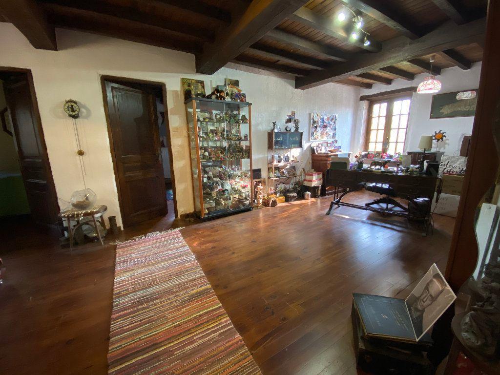 Maison à vendre 10 380.5m2 à Attignat vignette-12
