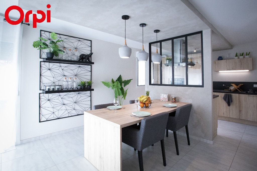 Maison à vendre 4 94m2 à Bourg-en-Bresse vignette-1