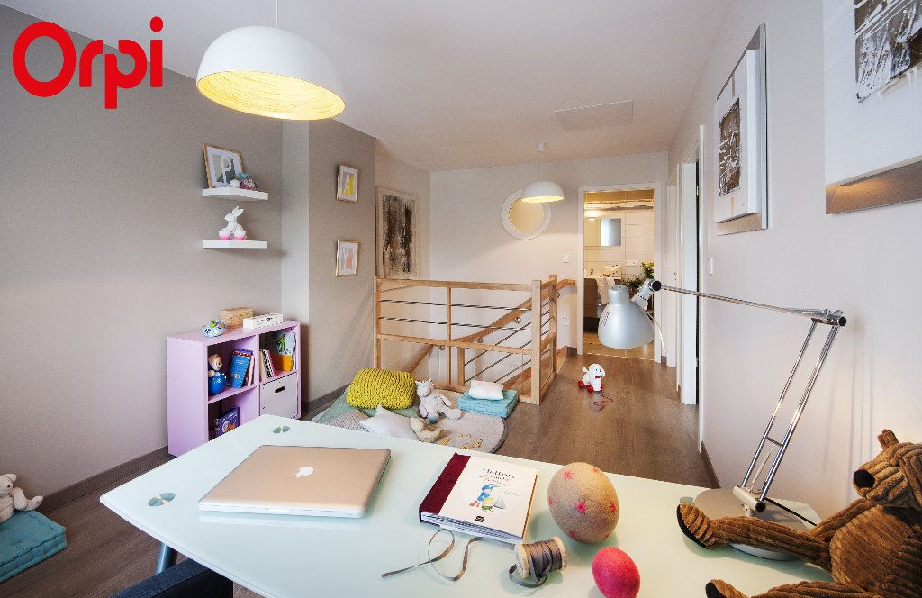 Maison à vendre 4 94m2 à Bourg-en-Bresse vignette-4