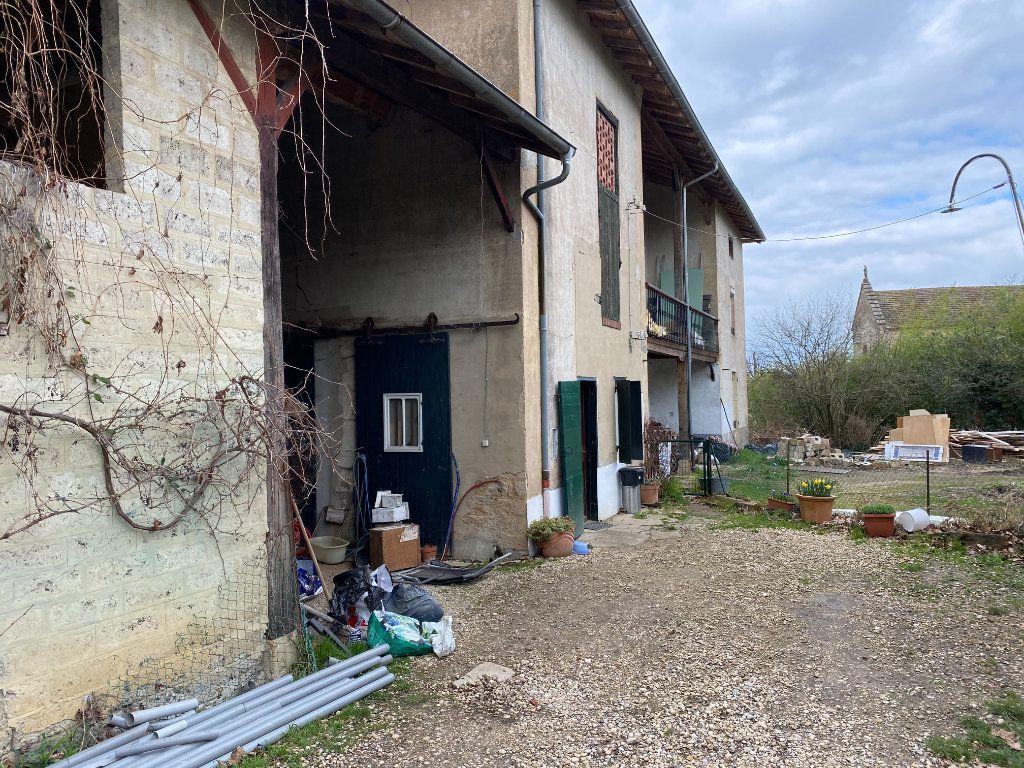 Maison à vendre 5 118m2 à Saint-Trivier-de-Courtes vignette-2