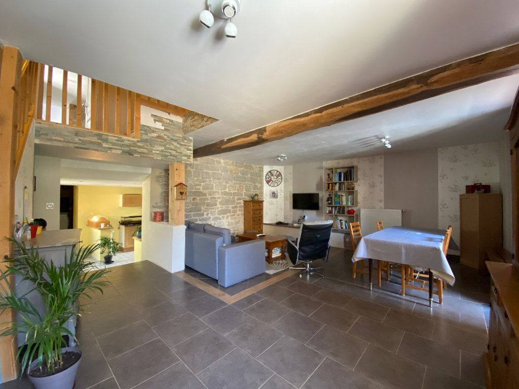 Maison à vendre 5 137m2 à Balanod vignette-3