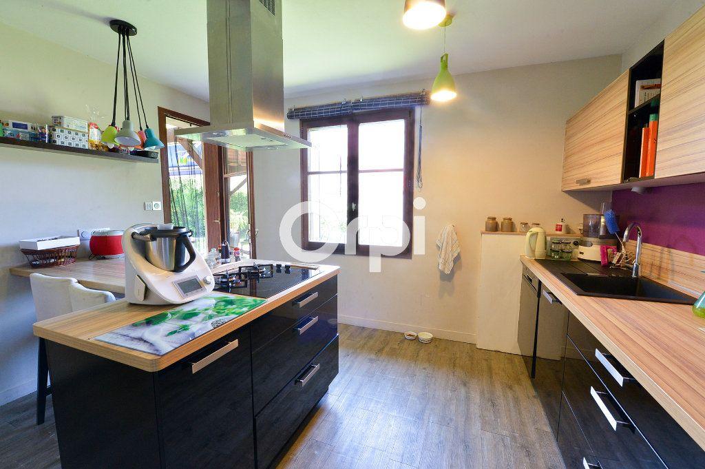Maison à vendre 4 114m2 à Bény vignette-6