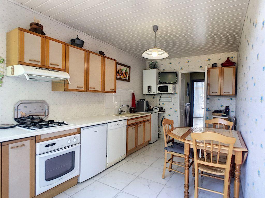 Appartement à vendre 4 93m2 à Pau vignette-2