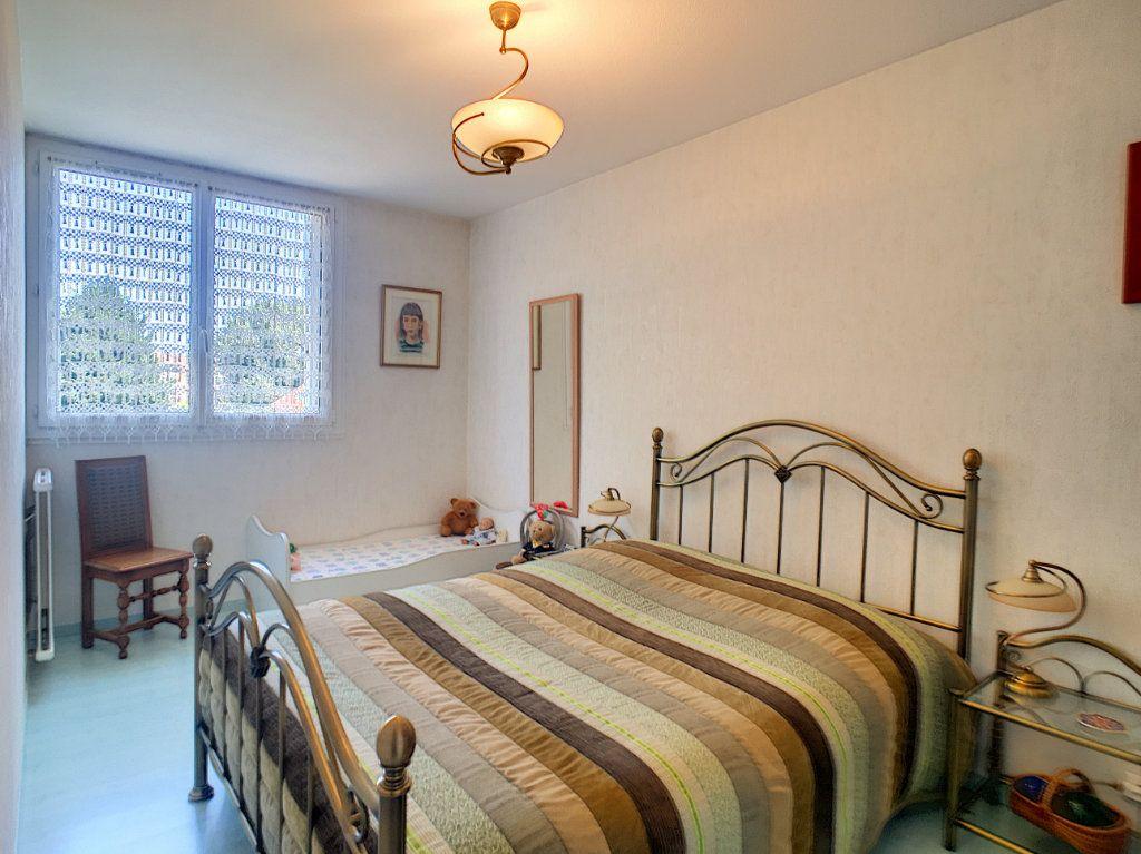 Appartement à vendre 4 93m2 à Pau vignette-6