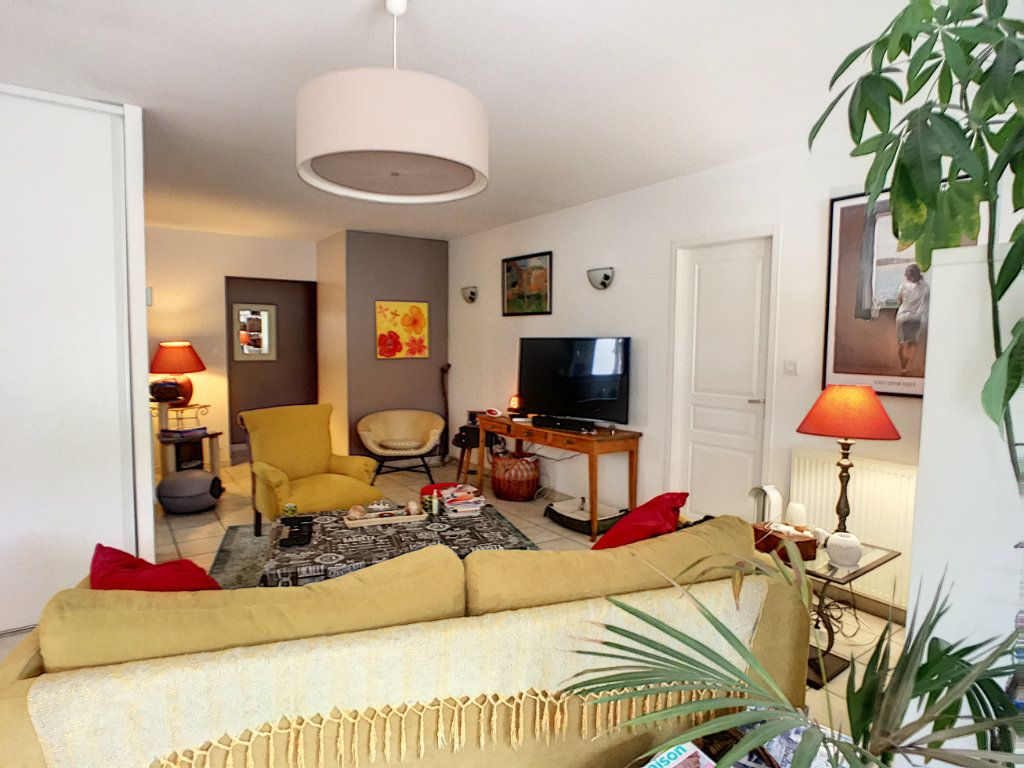 Maison à vendre 8 240m2 à Sendets vignette-4