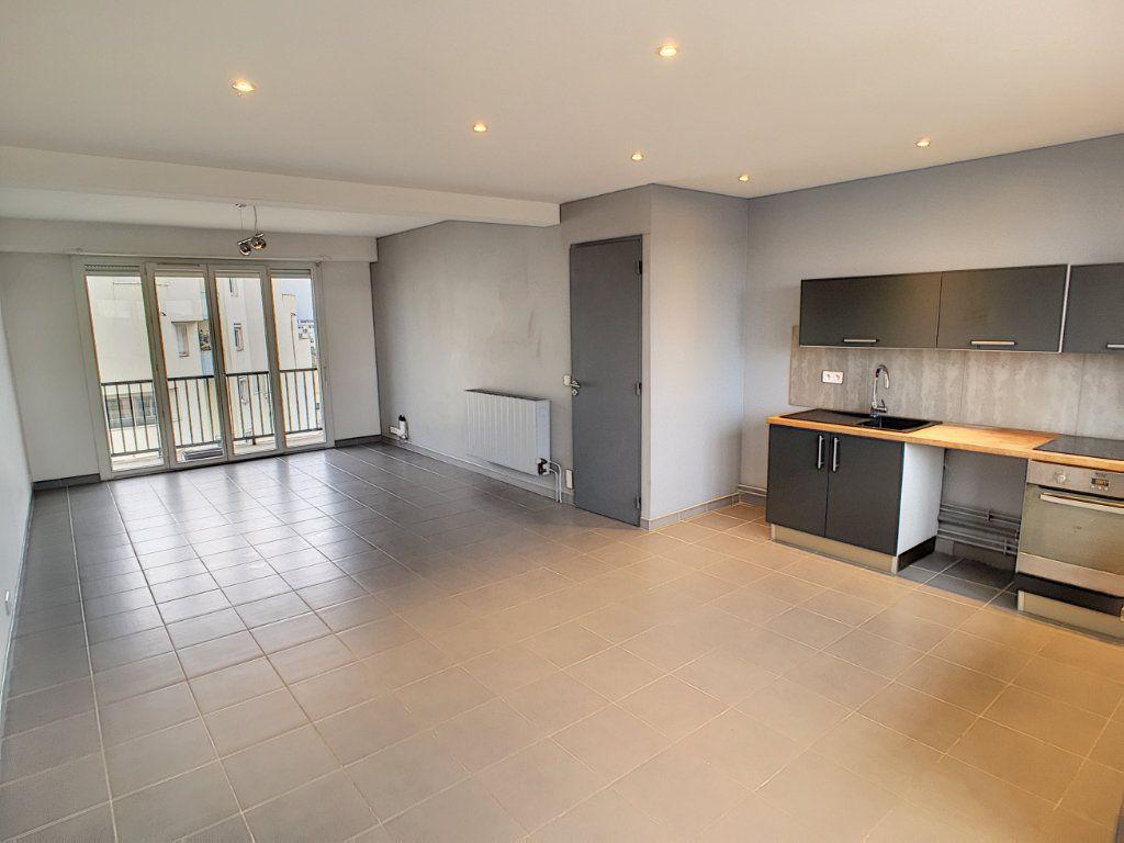 Appartement à vendre 4 89m2 à Pau vignette-7