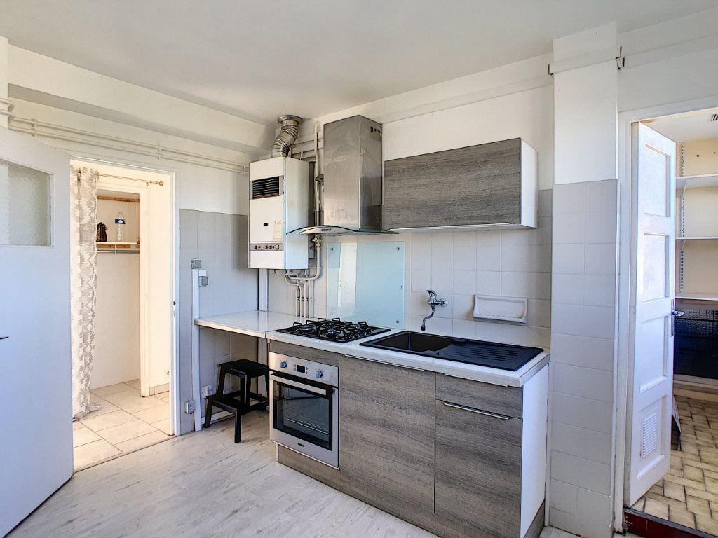 Appartement à vendre 4 69.44m2 à Pau vignette-4