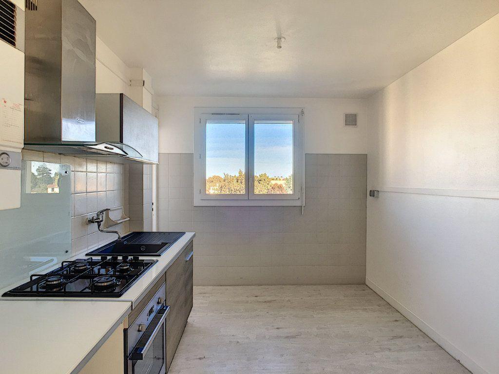 Appartement à vendre 4 69.44m2 à Pau vignette-5