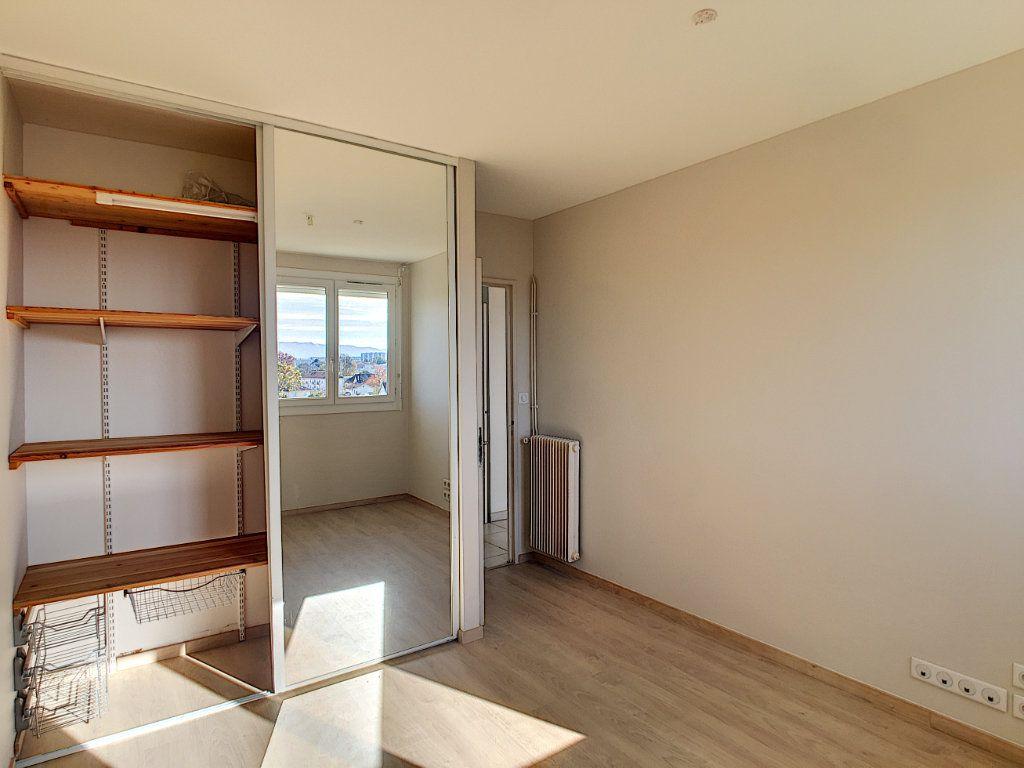 Appartement à vendre 4 69.44m2 à Pau vignette-6