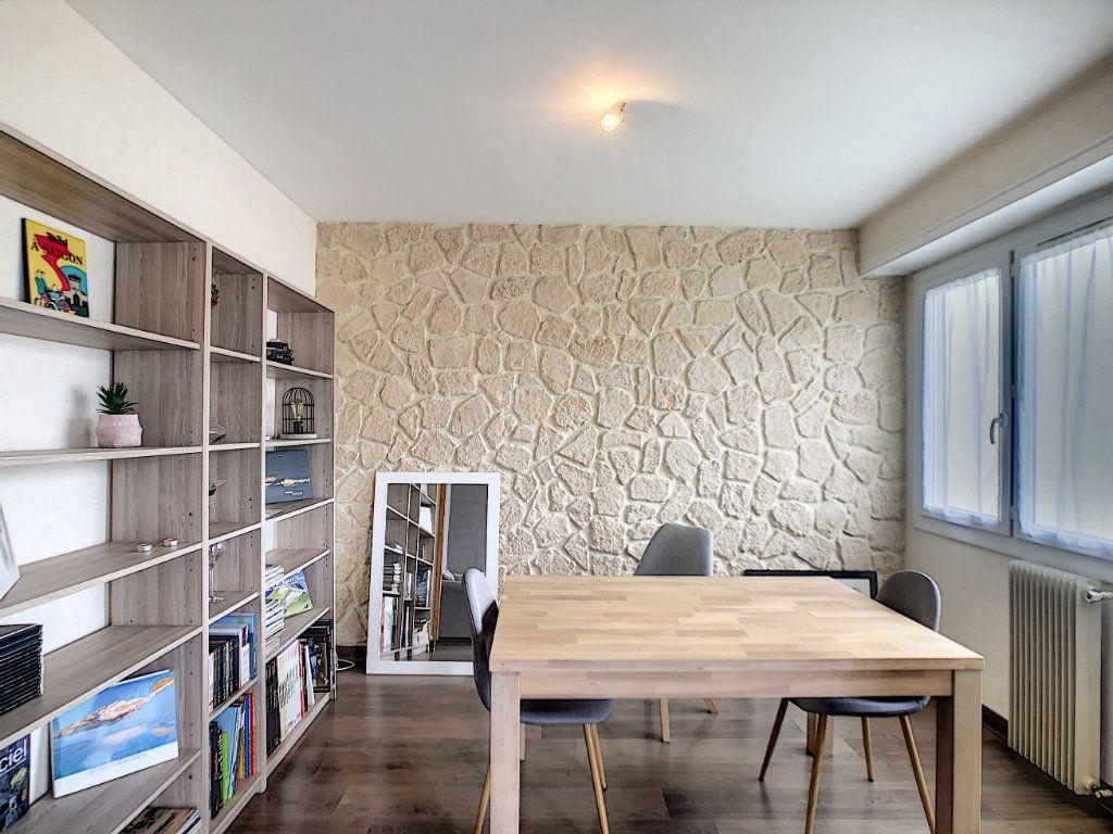 Appartement à vendre 4 72m2 à Pau vignette-3