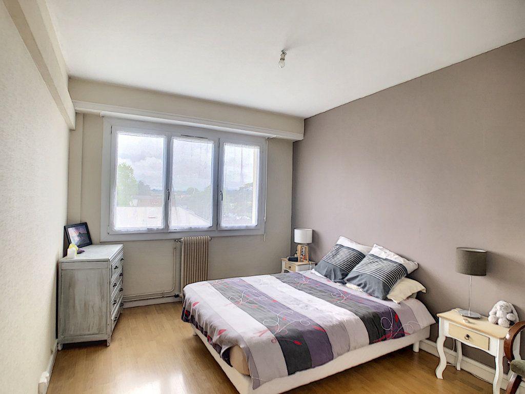 Appartement à vendre 4 72m2 à Pau vignette-5