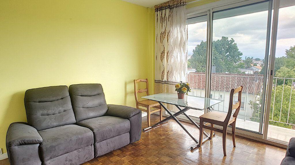 Appartement à vendre 3 55m2 à Billère vignette-4