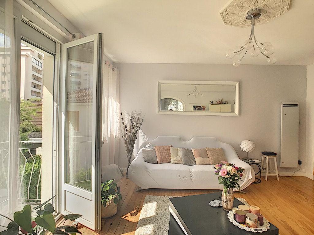 Appartement à vendre 3 71.82m2 à Pau vignette-1