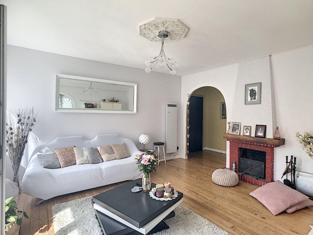 Appartement à vendre 3 71.82m2 à Pau vignette-2