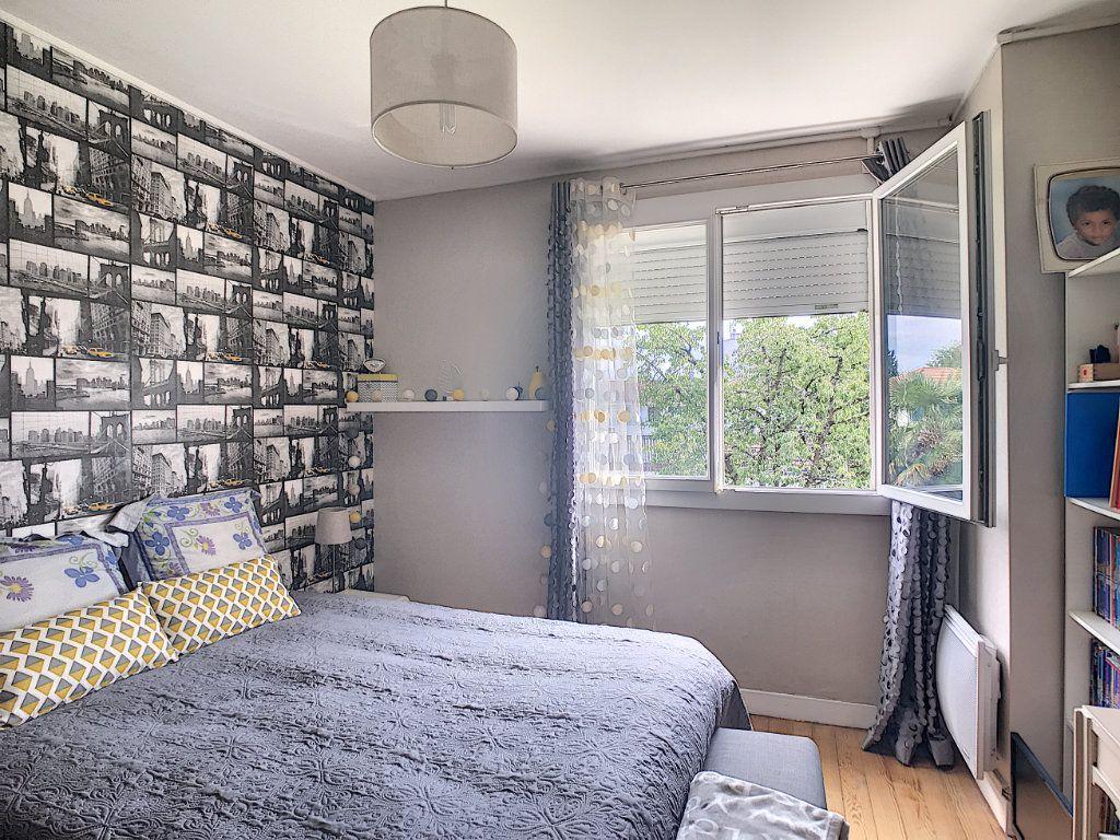 Appartement à vendre 3 71.82m2 à Pau vignette-7