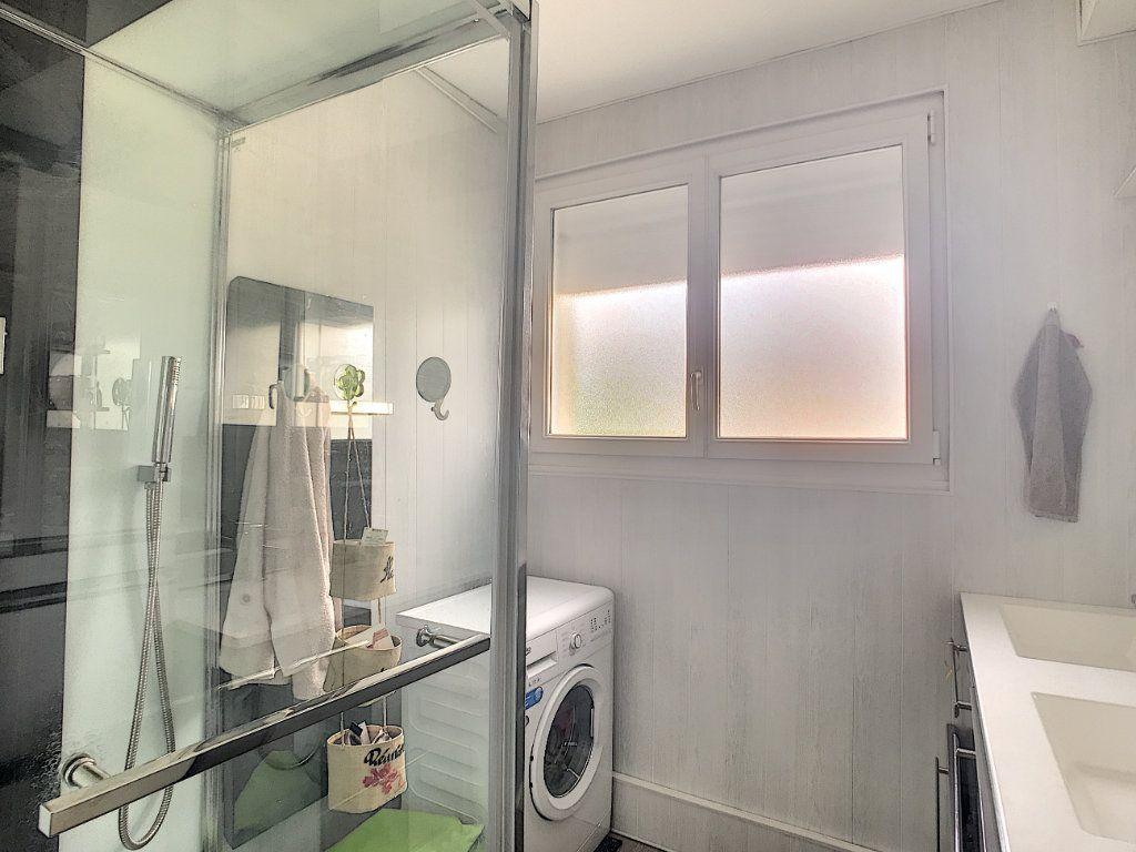 Appartement à vendre 3 71.82m2 à Pau vignette-8