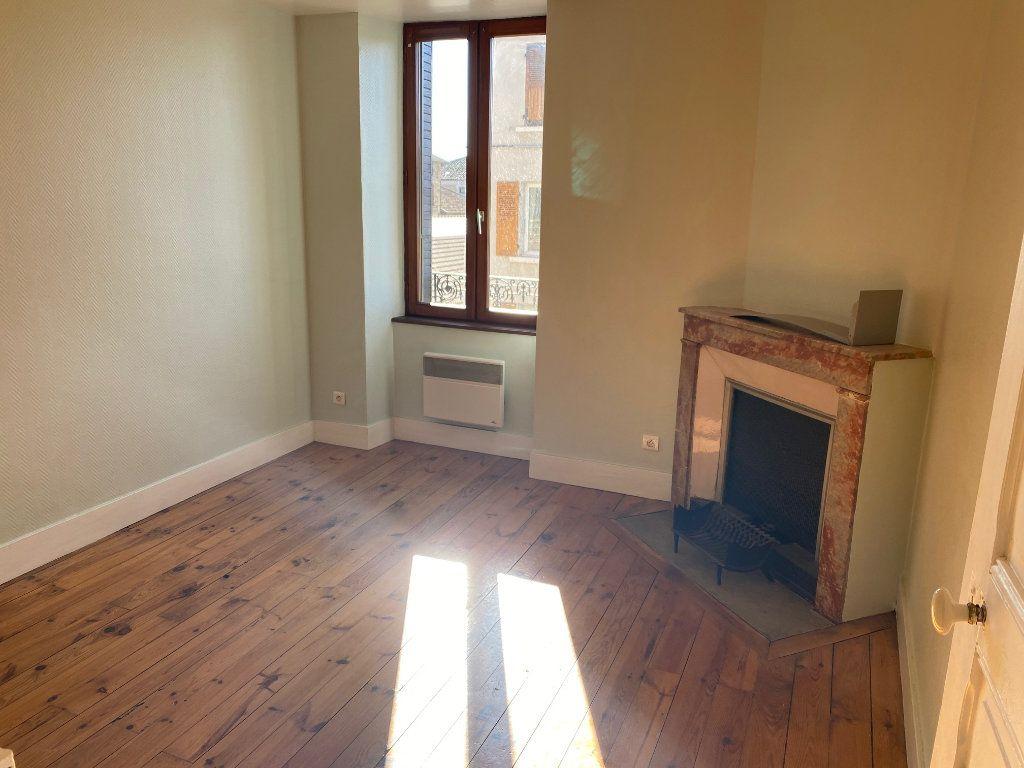 Appartement à louer 3 63.68m2 à Sillans vignette-4