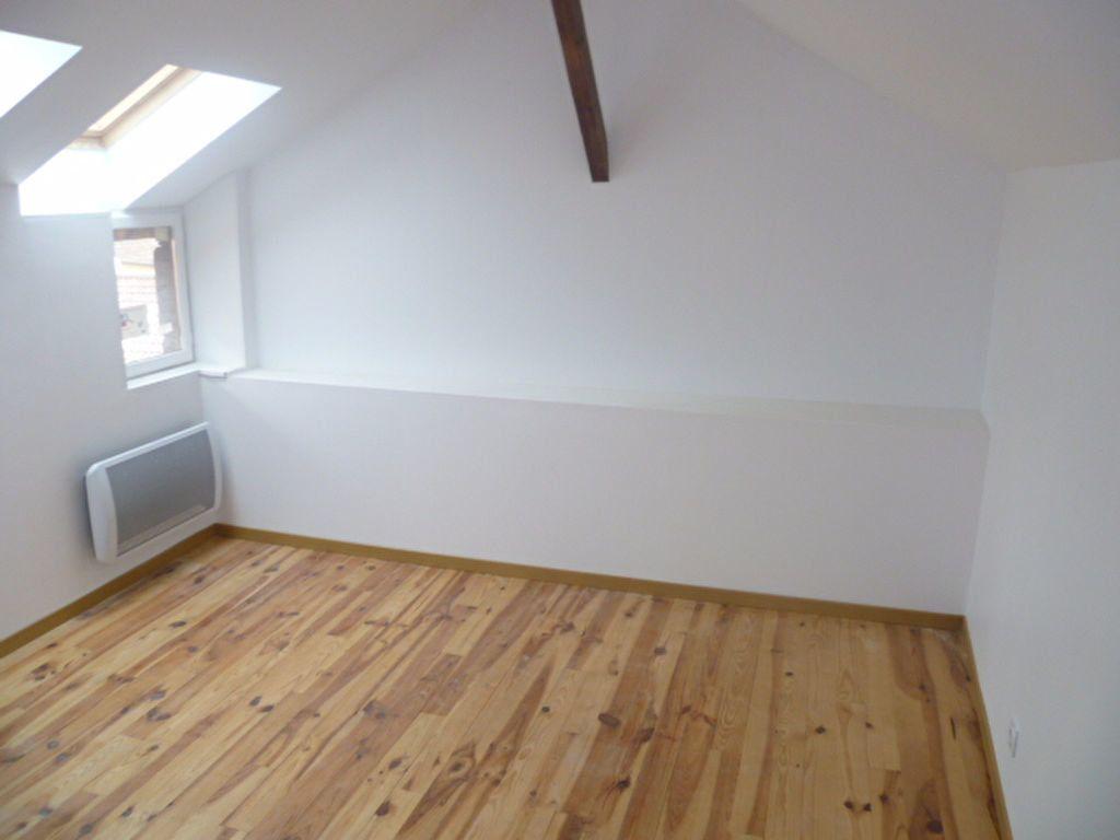 Appartement à louer 3 60.78m2 à Saint-Étienne-de-Saint-Geoirs vignette-5
