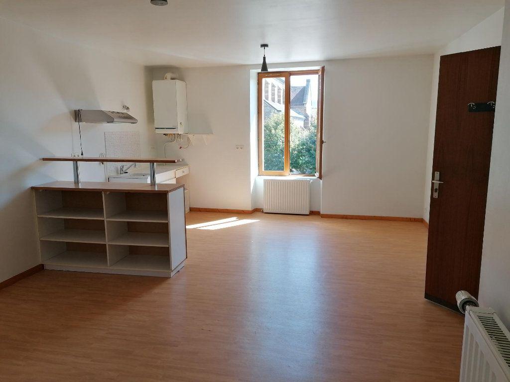 Appartement à louer 2 43m2 à Saint-Étienne-de-Saint-Geoirs vignette-1