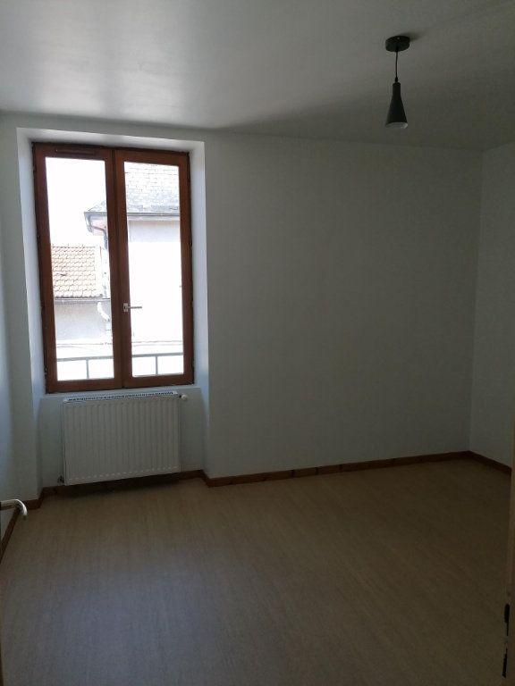 Appartement à louer 2 43m2 à Saint-Étienne-de-Saint-Geoirs vignette-2