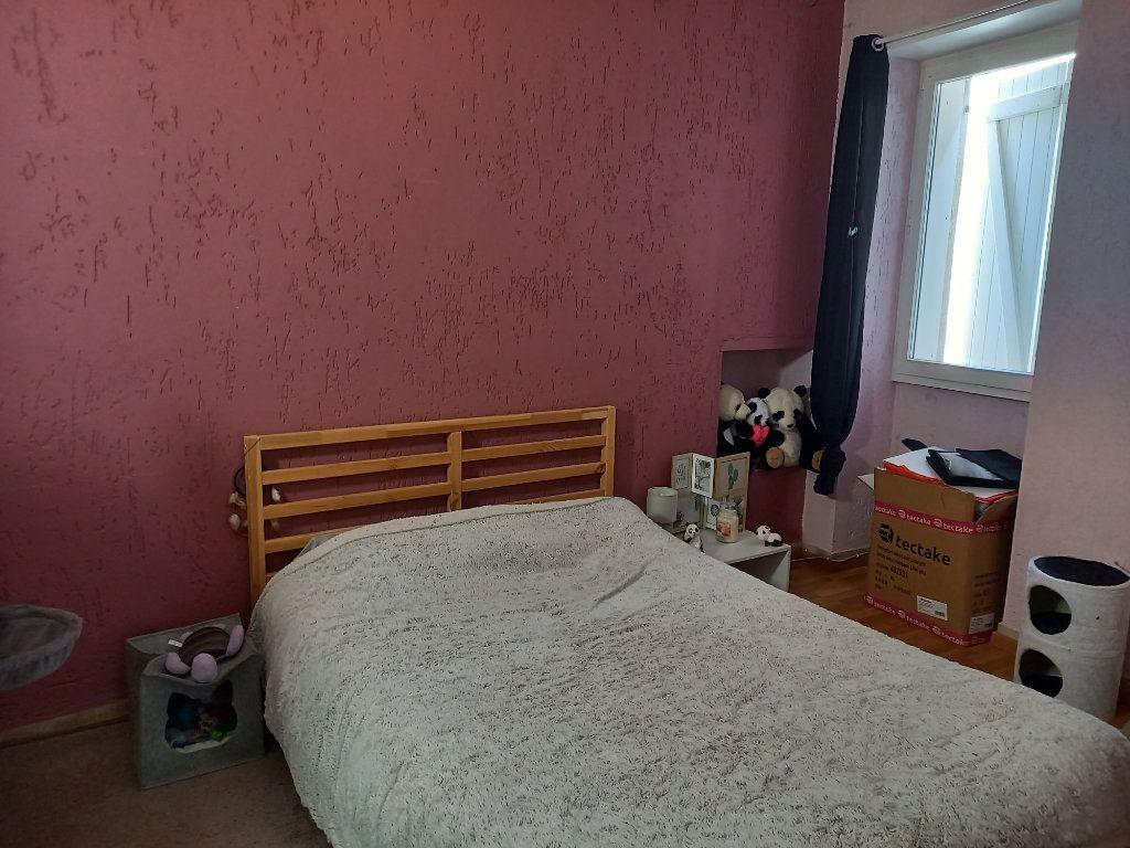 Appartement à louer 3 65.5m2 à Saint-Étienne-de-Saint-Geoirs vignette-10