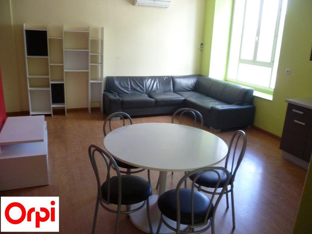 Appartement à louer 2 51m2 à Grenoble vignette-1