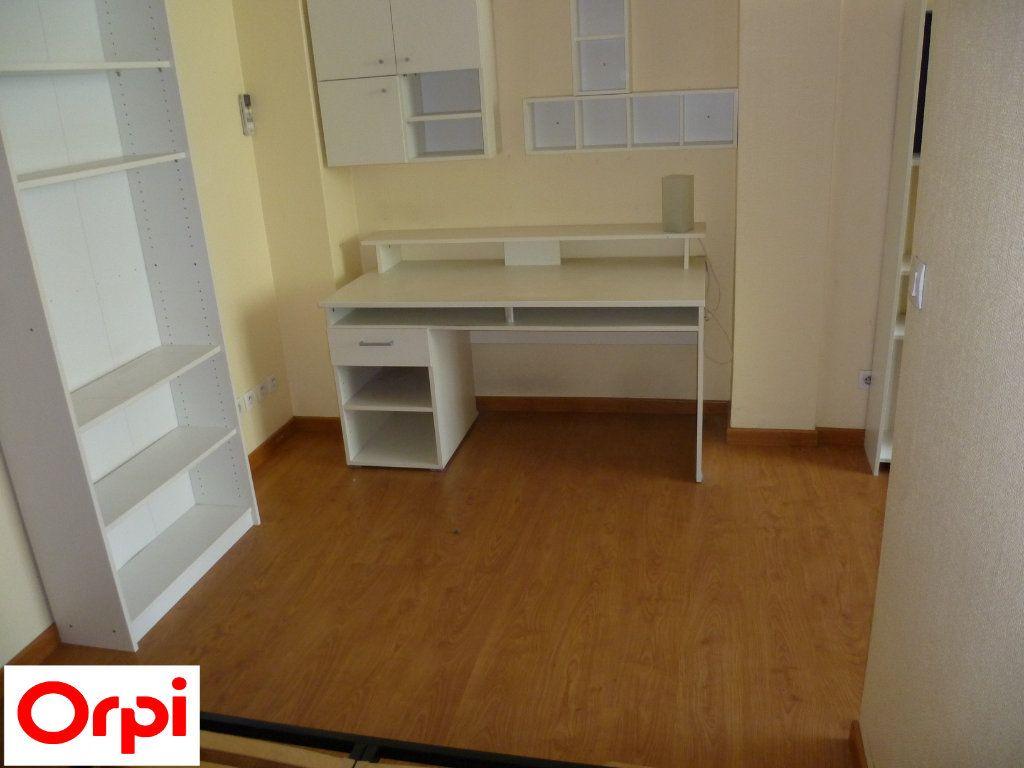 Appartement à louer 2 51m2 à Grenoble vignette-2