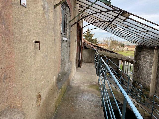 Immeuble à vendre 0 140m2 à Saint-Étienne-de-Saint-Geoirs vignette-8