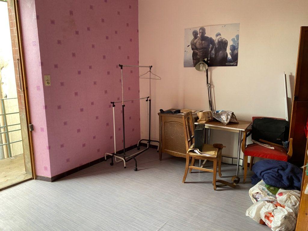 Immeuble à vendre 0 140m2 à Saint-Étienne-de-Saint-Geoirs vignette-13