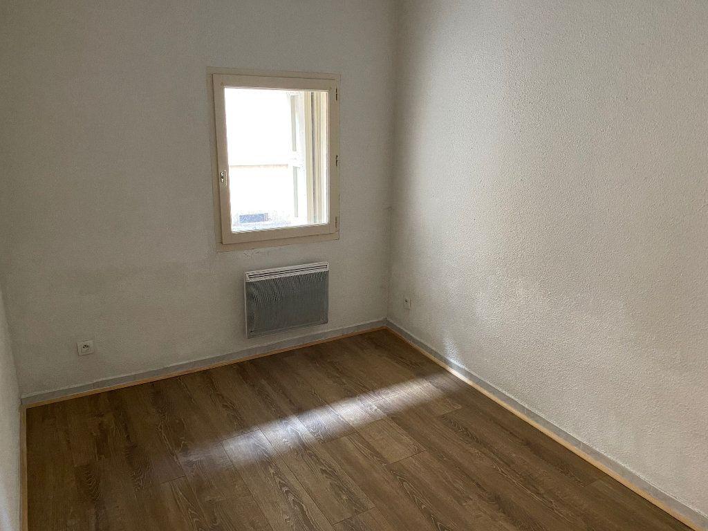 Appartement à louer 2 31.02m2 à La Côte-Saint-André vignette-3