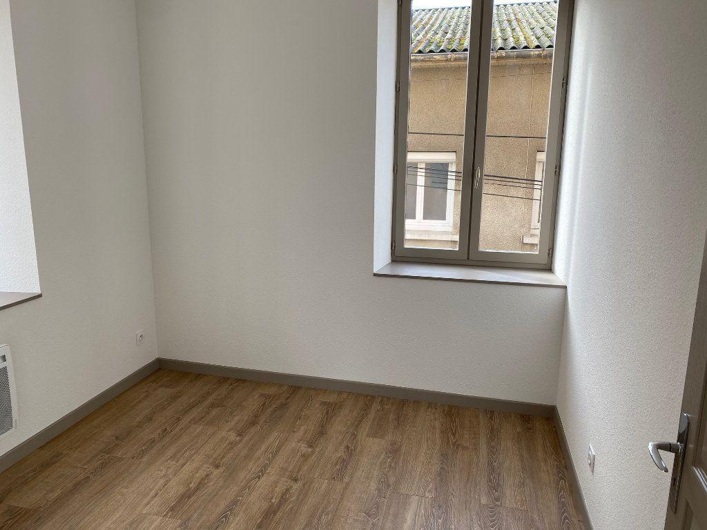 Appartement à louer 3 54.47m2 à La Côte-Saint-André vignette-3