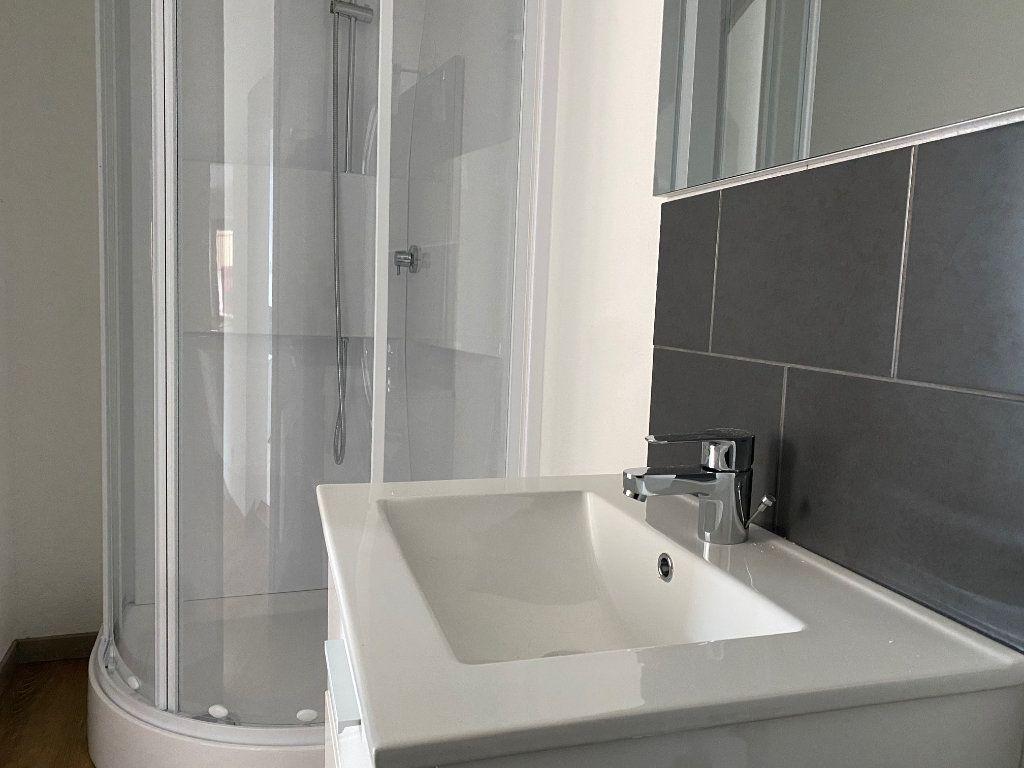 Appartement à louer 3 54.47m2 à La Côte-Saint-André vignette-5