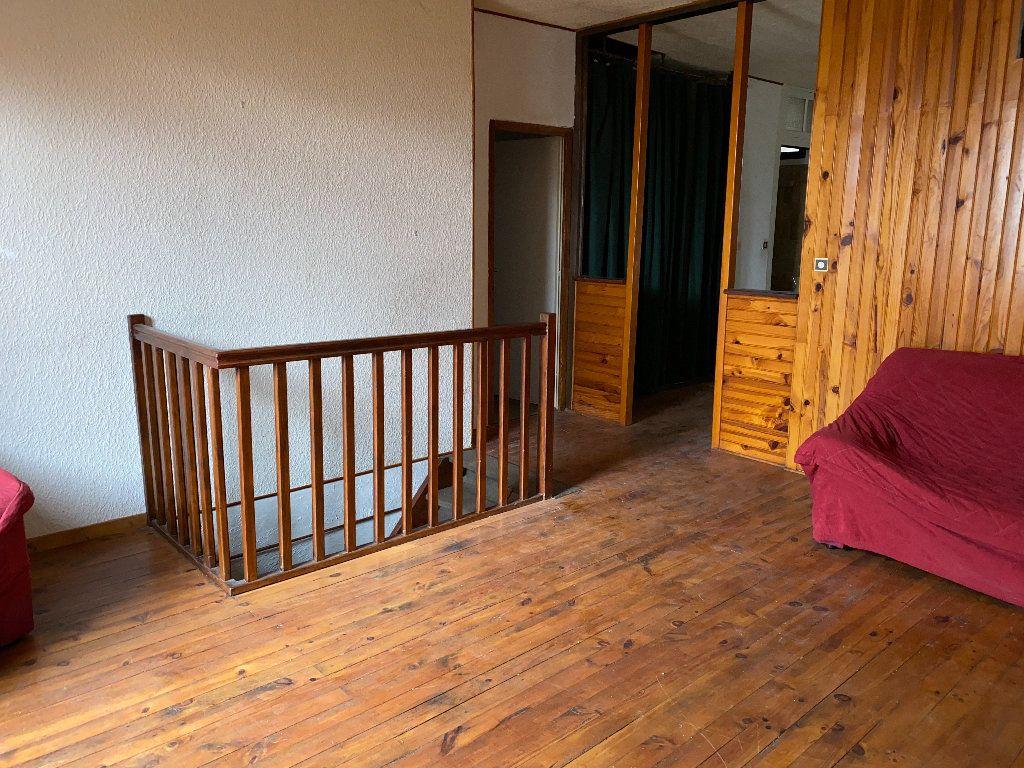 Appartement à vendre 4 102.5m2 à Saint-Étienne-de-Saint-Geoirs vignette-2