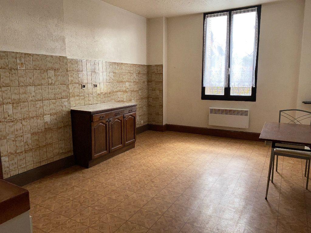 Appartement à vendre 4 102.5m2 à Saint-Étienne-de-Saint-Geoirs vignette-3