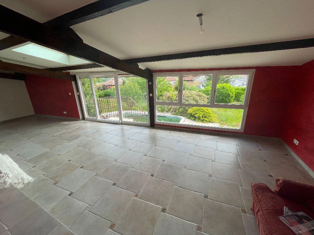 Maison à vendre 7 198m2 à Saint-Étienne-de-Saint-Geoirs vignette-2