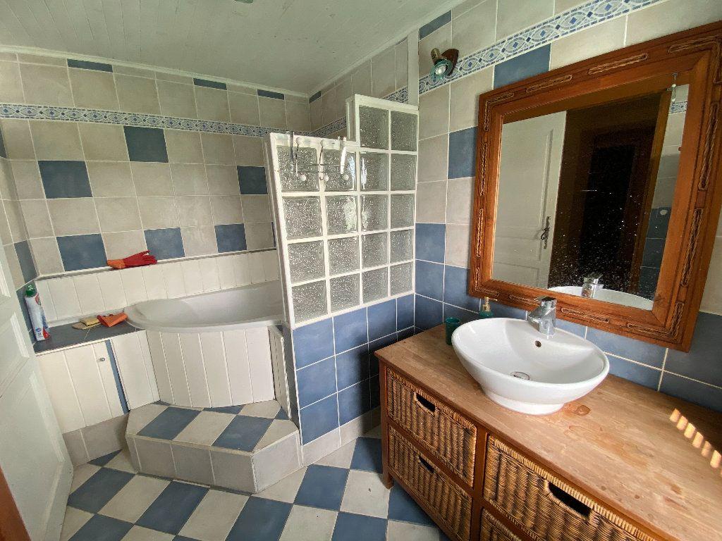 Maison à vendre 7 198m2 à Saint-Étienne-de-Saint-Geoirs vignette-8