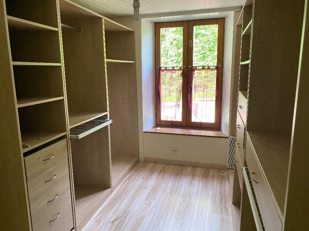 Maison à vendre 7 198m2 à Saint-Étienne-de-Saint-Geoirs vignette-11