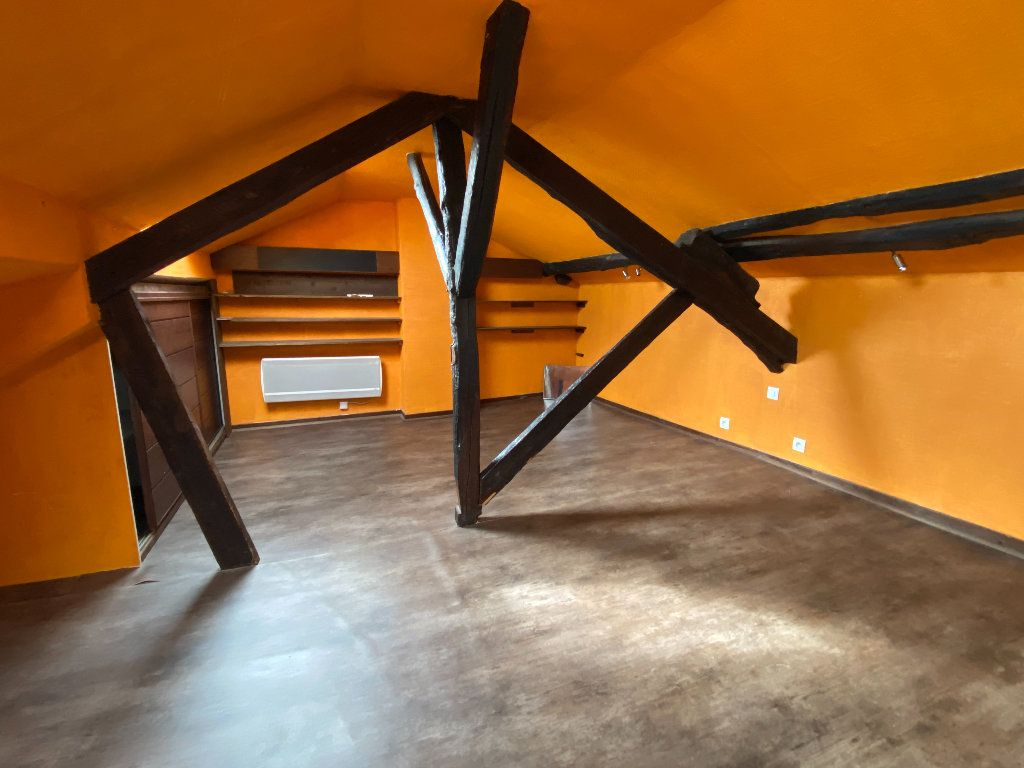 Maison à vendre 7 198m2 à Saint-Étienne-de-Saint-Geoirs vignette-12