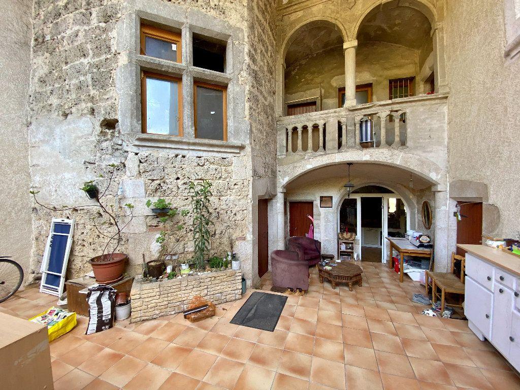 Maison à vendre 5 158m2 à Saint-Étienne-de-Saint-Geoirs vignette-3